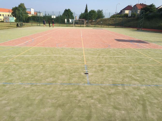 Sportovní areál u základní školy prošel revitalizaci povrchů