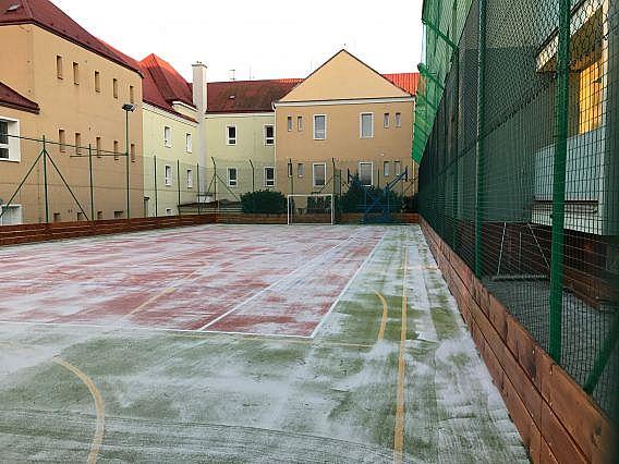 Multifunkční hřiště v Hustopečích prošlo revitalizaci