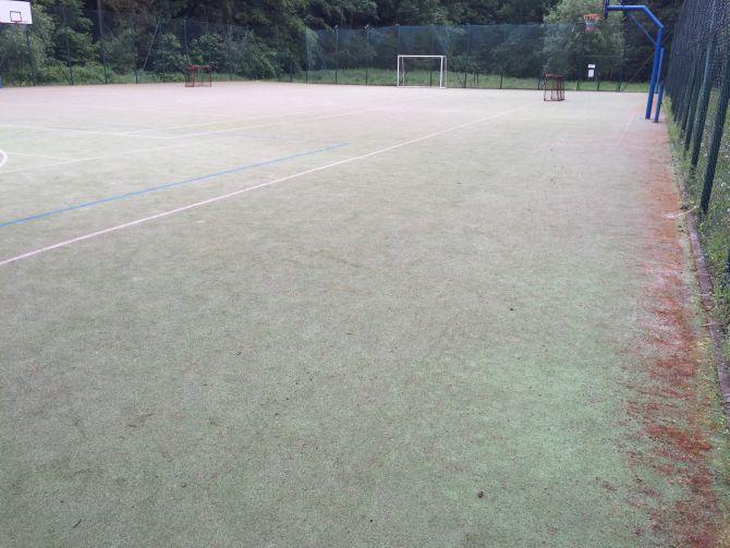 Revitalizácia ihriska z umelej trávy blízko Blanska